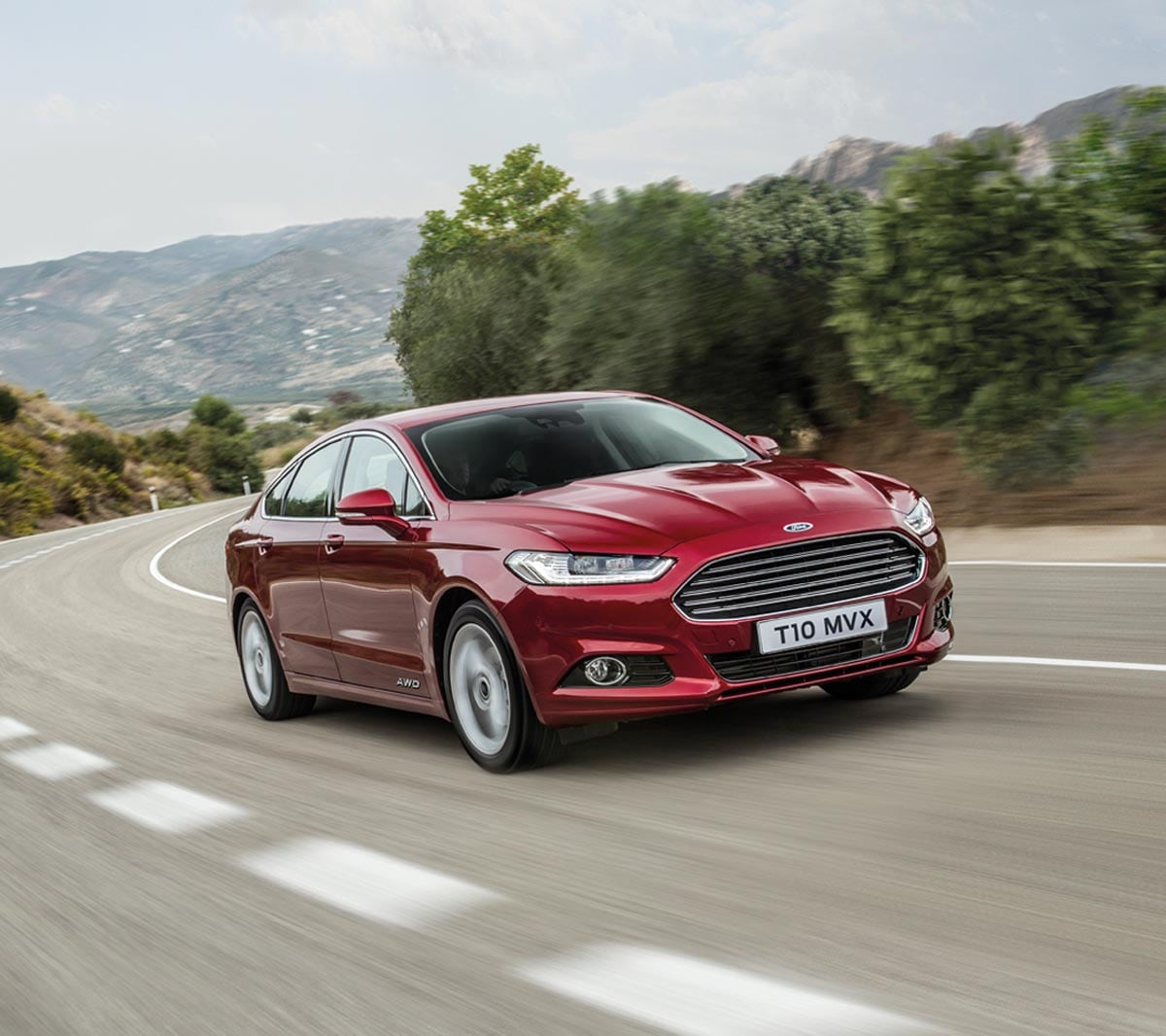 Hill Start Assist: Ford Mondeo - Features