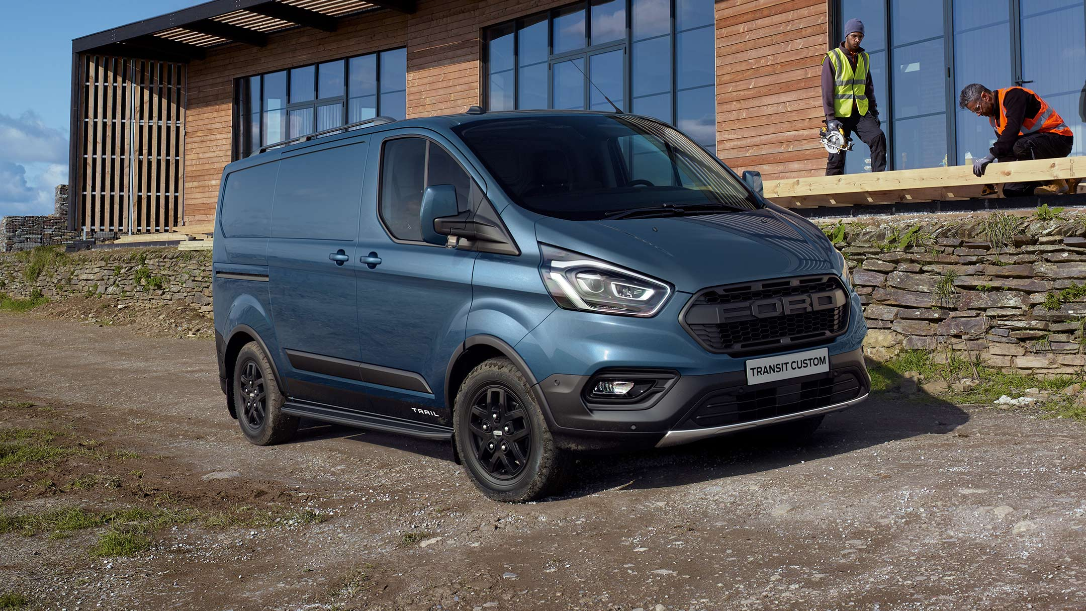 Ford Transit Custom Trail side view