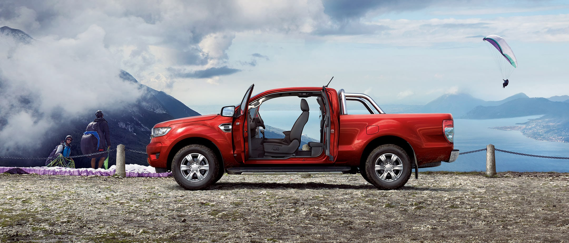 Ford Ranger Super Cab parked in industiral area